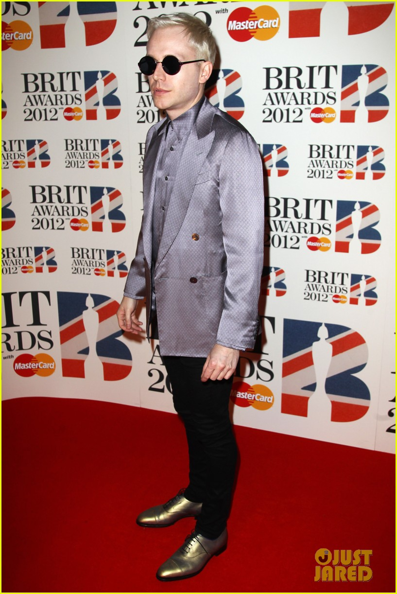 adele brits red carpet mr hudson jessie j 122631541