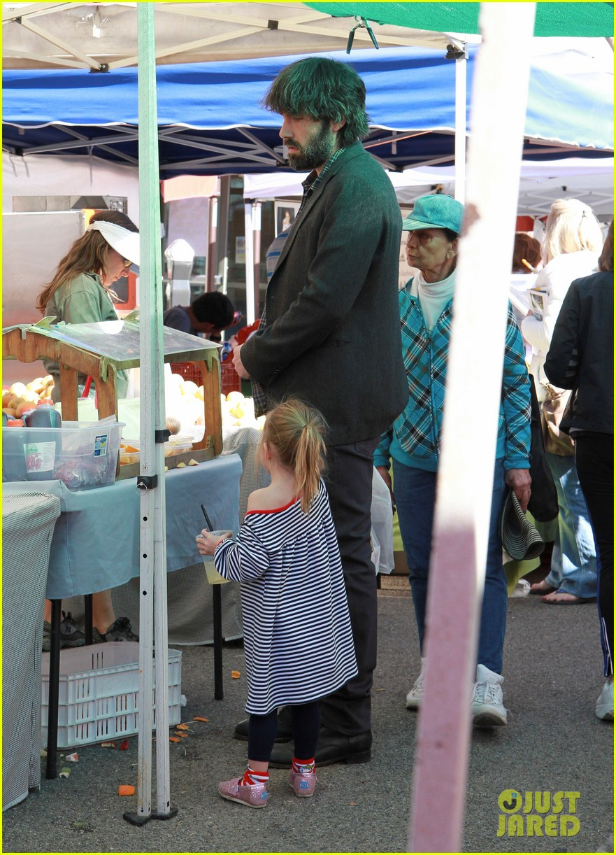 ben affleck daughters farmers market 122625822