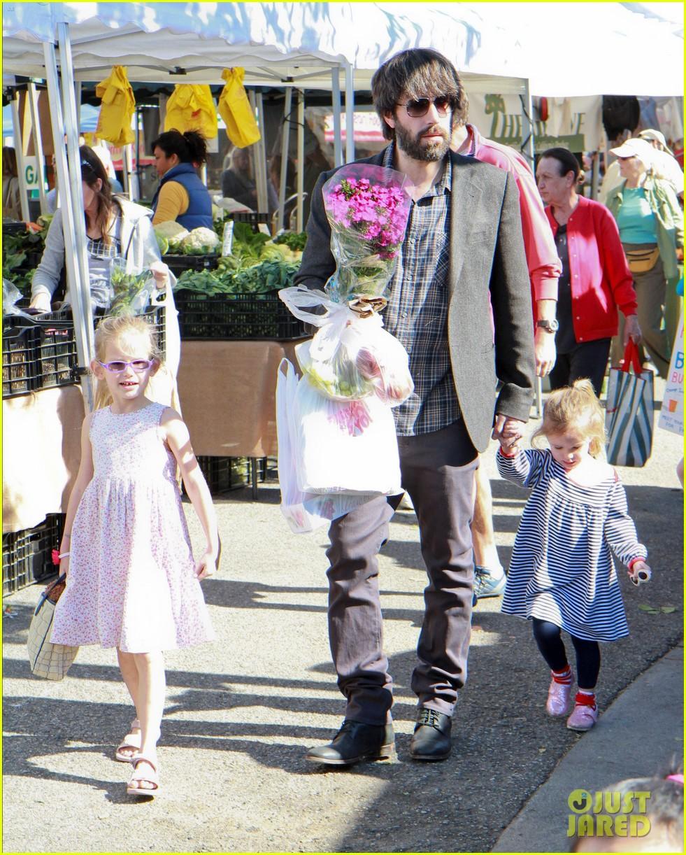 ben affleck daughters farmers market 182625828