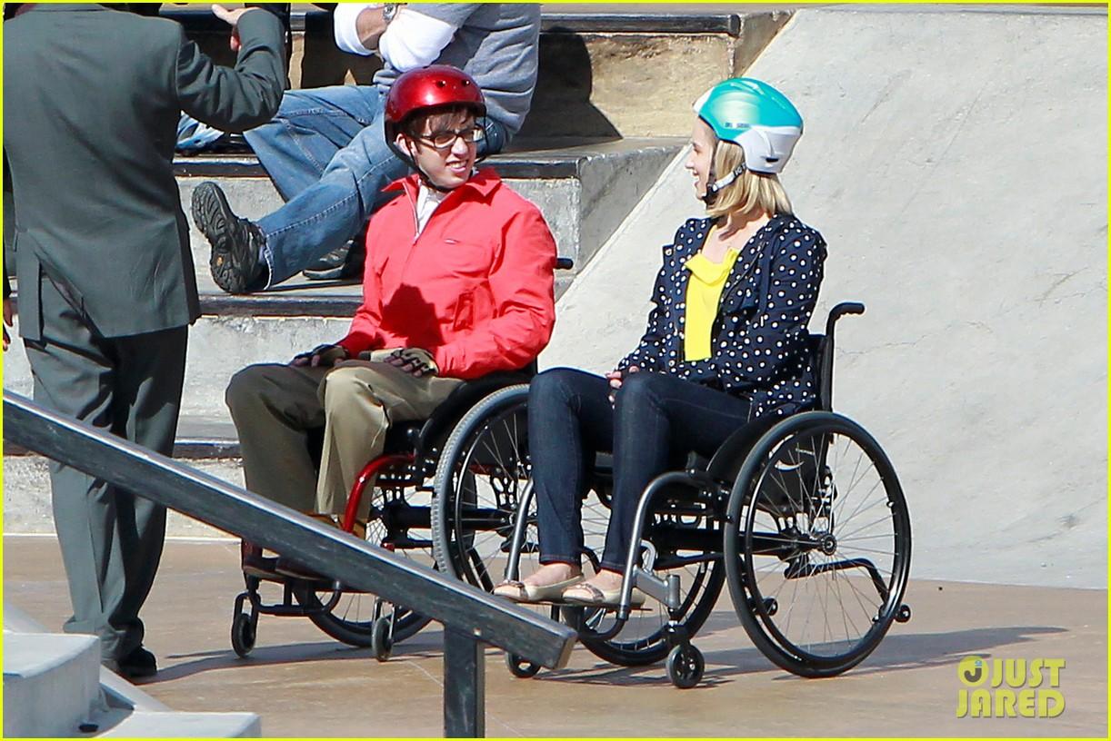 dianna agron kevin mchale wheelchairs glee 012631623