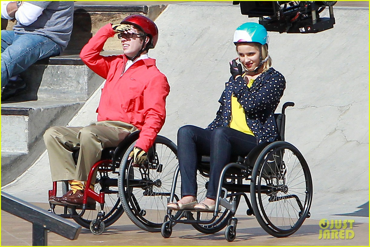 dianna agron kevin mchale wheelchairs glee 042631626