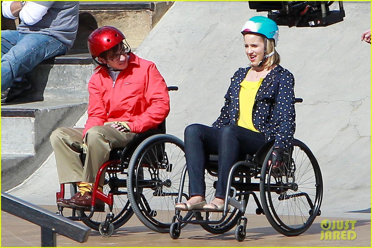 dianna agron kevin mchale wheelchairs glee 062631628