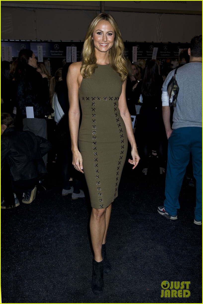jessica alba michael kors fashion show 07