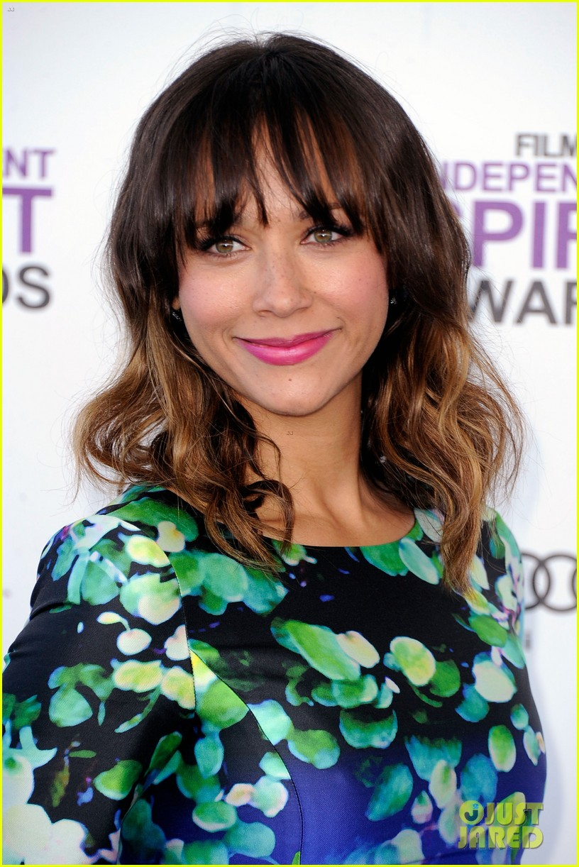 elizabeth banks rashida jones spirit awards 2012 062632886