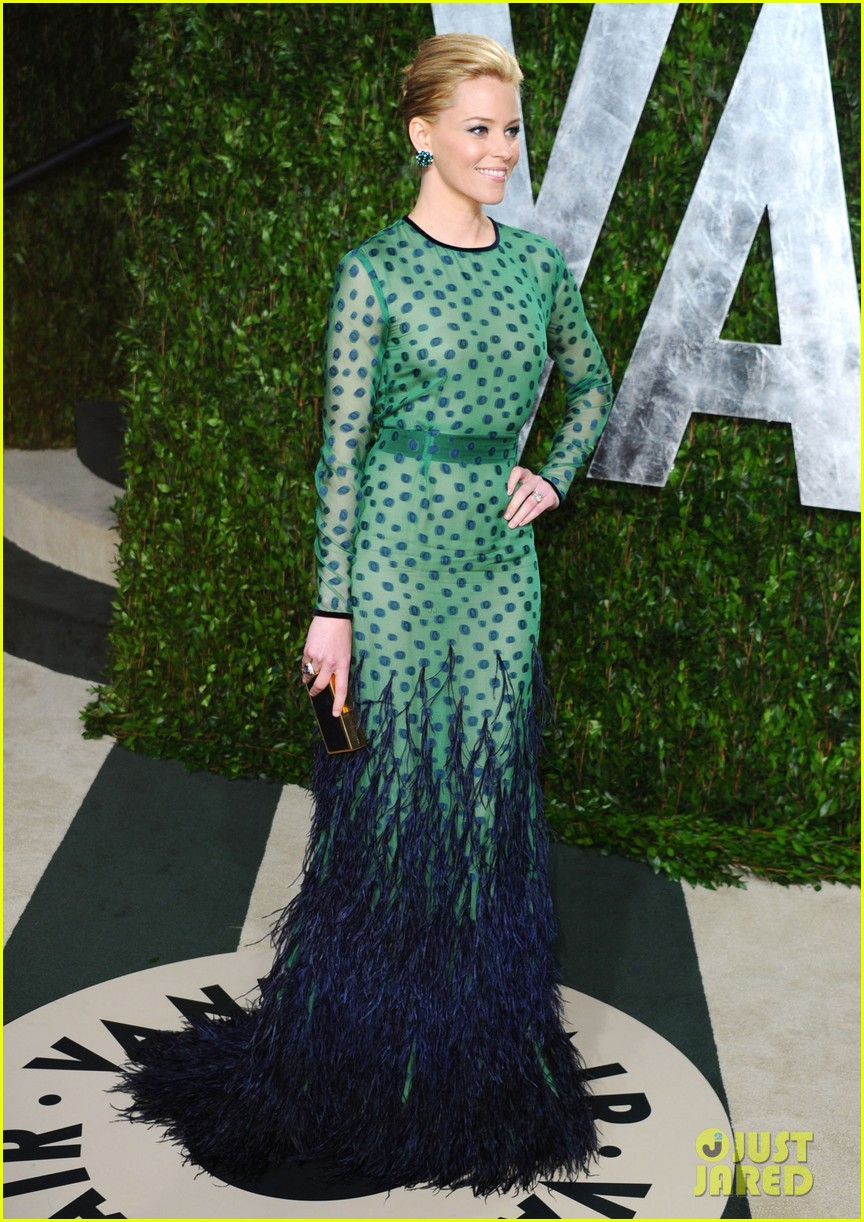 elizabeth banks julie bowen vanity fair oscar party 102634043