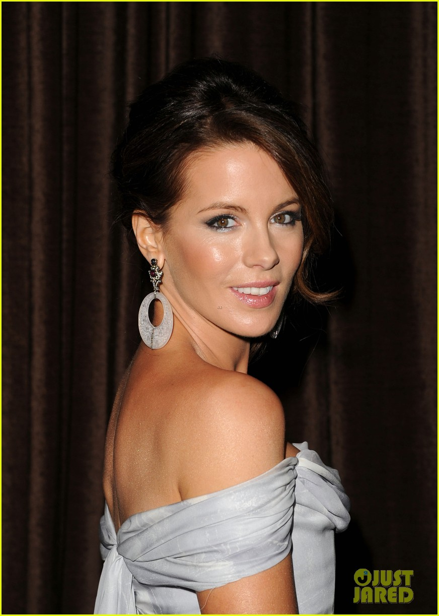kate beckinsale costume designers guild awardss 02