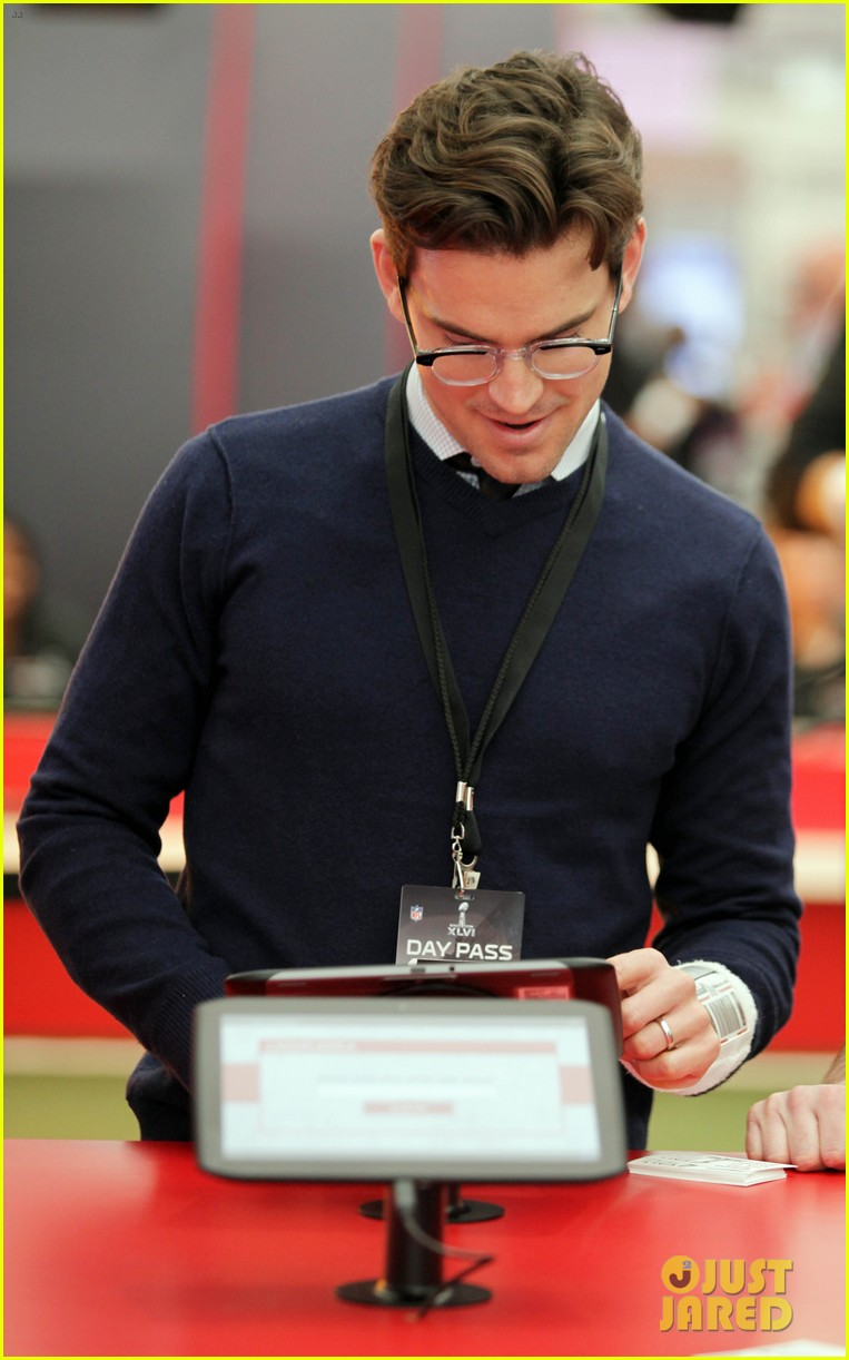 matt bomer super bowl events with son kit 07