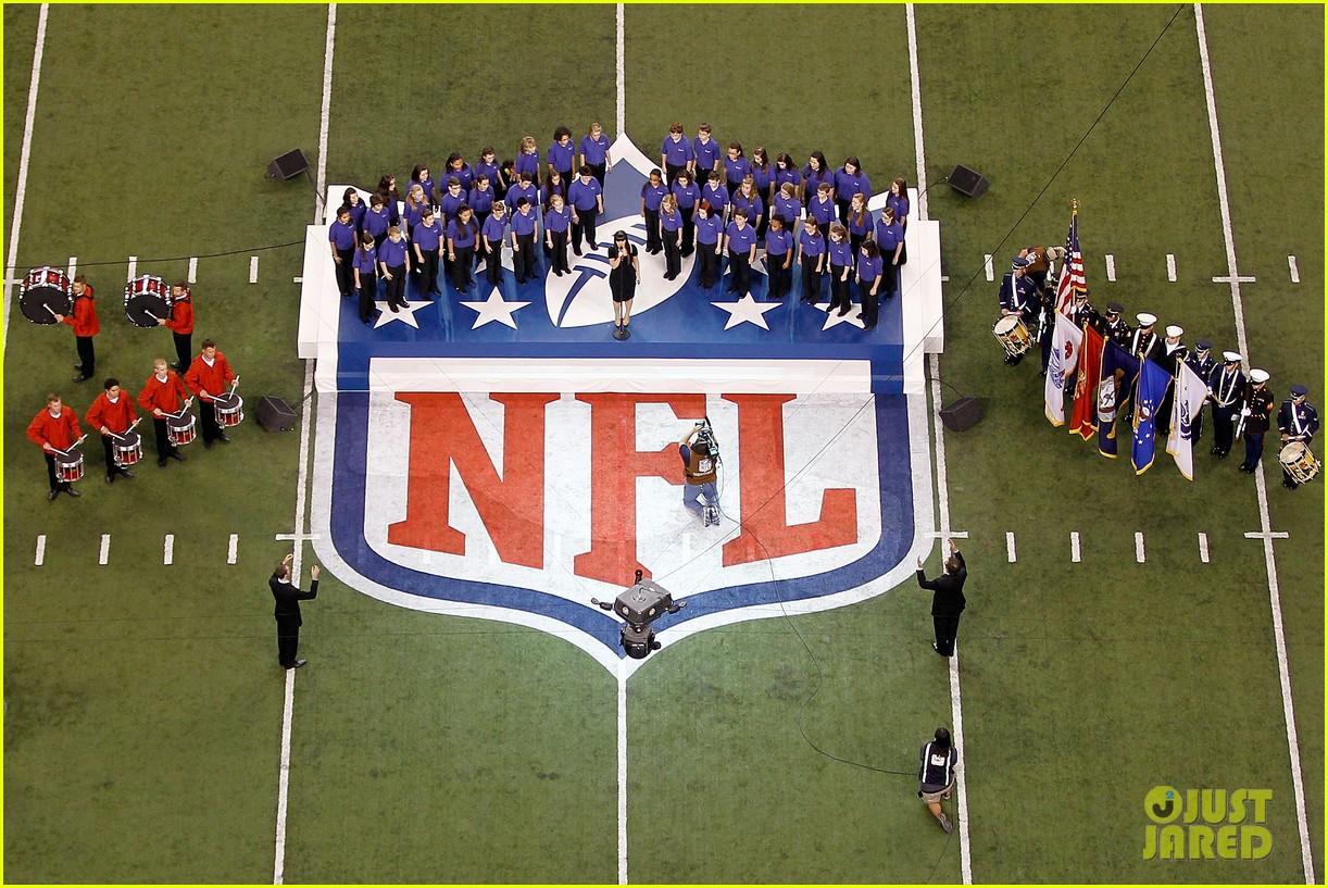 kelly clarkson national anthem 06