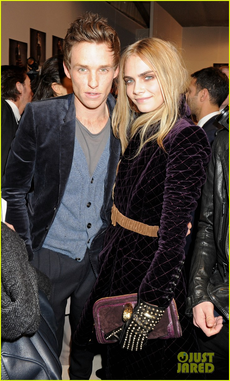 eddie redmayne clemence poesy burberry 01
