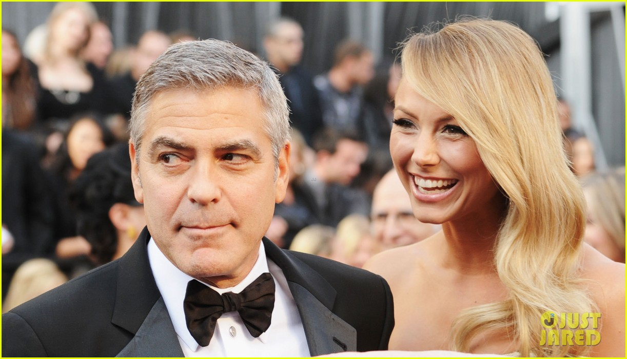 george clooney stacy keibler oscars 2012 032633427