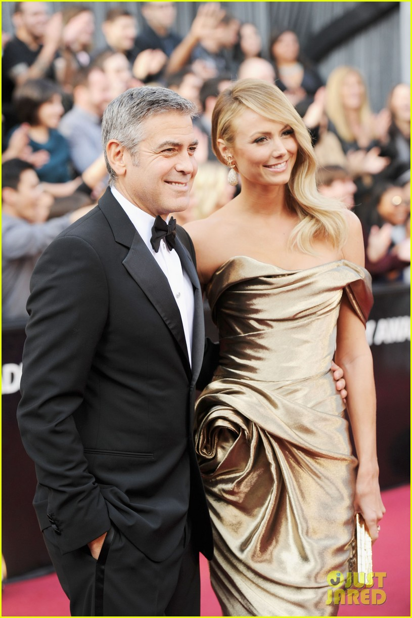 george clooney stacy keibler oscars 2012 052633429