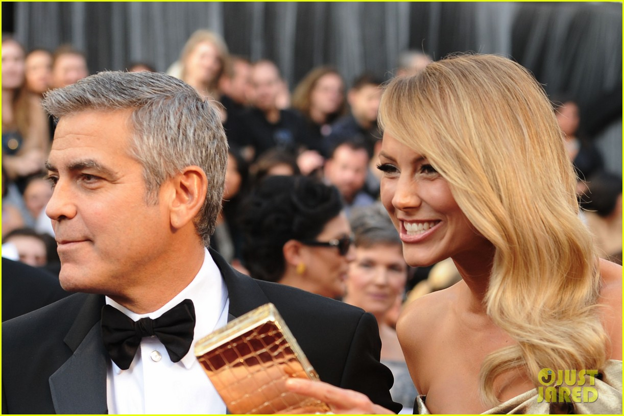 george clooney stacy keibler oscars 2012 062633430