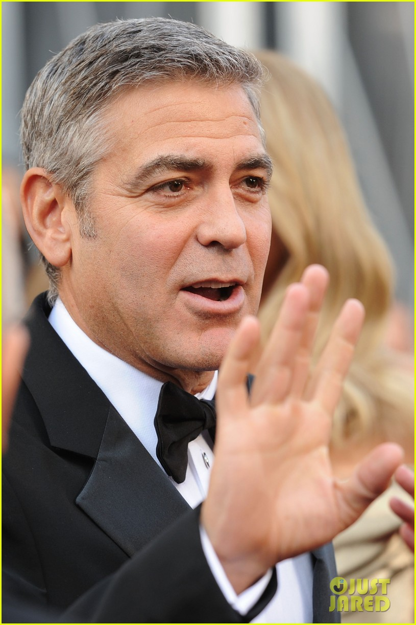 george clooney stacy keibler oscars 2012 072633431