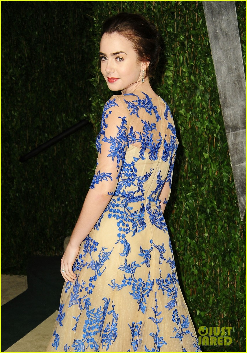 lily collins vanity fair party 06