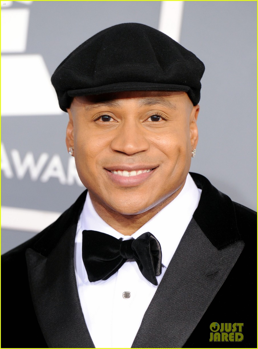 ll cool j grammys 2012 red carpet 02