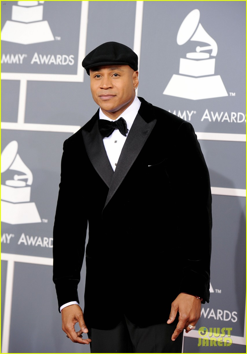ll cool j grammys 2012 red carpet 032628198