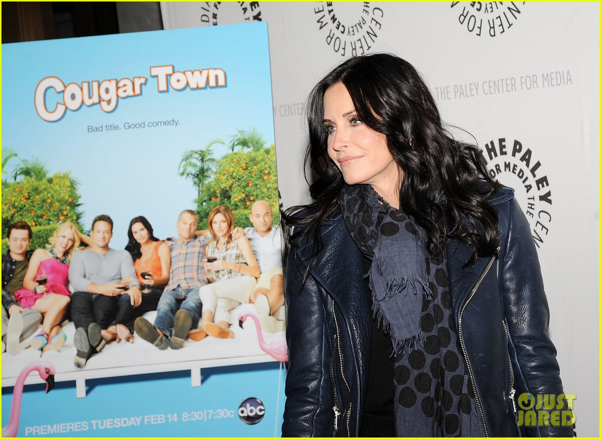 courteney cox cougar town viewing party 092627832