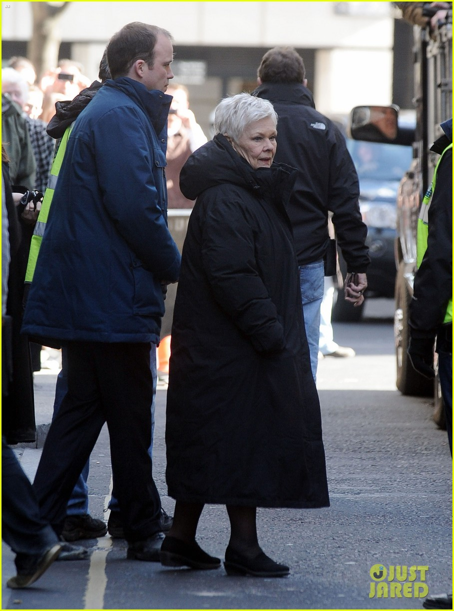 daniel craig skyfall set with judi dench 032633059