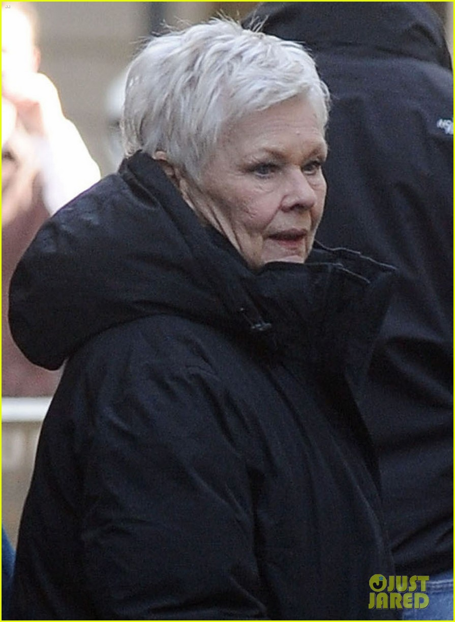 daniel craig skyfall set with judi dench 052633061