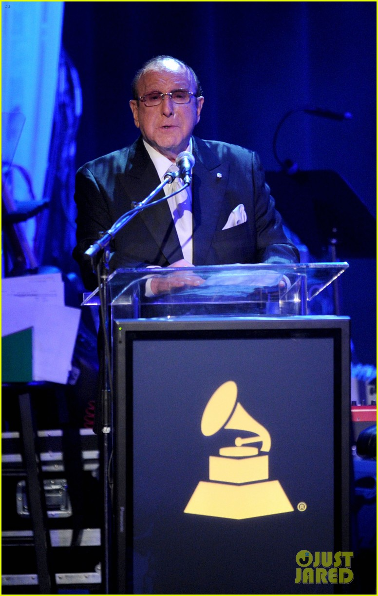 clive davis holds moment of silence for whitney houston 112627822