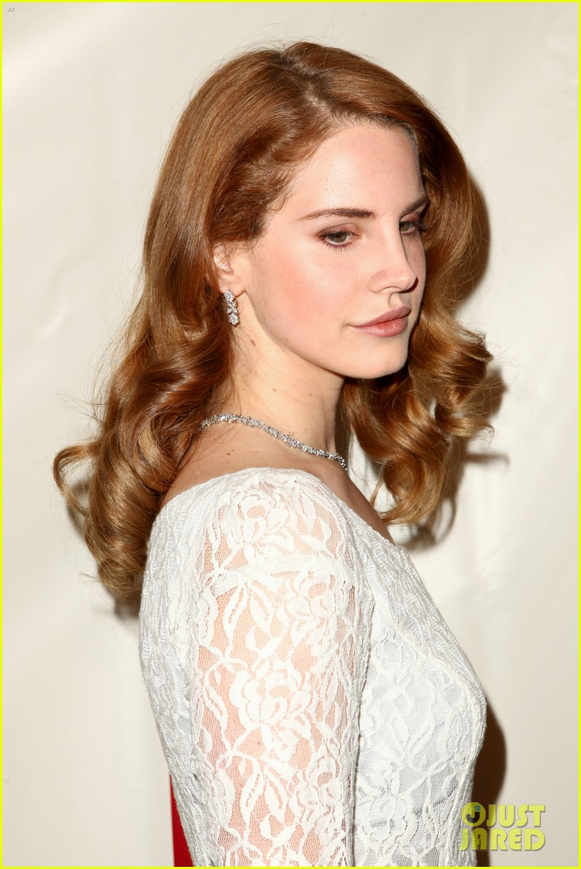 lana del rey grammy awards p e wing event 112626763
