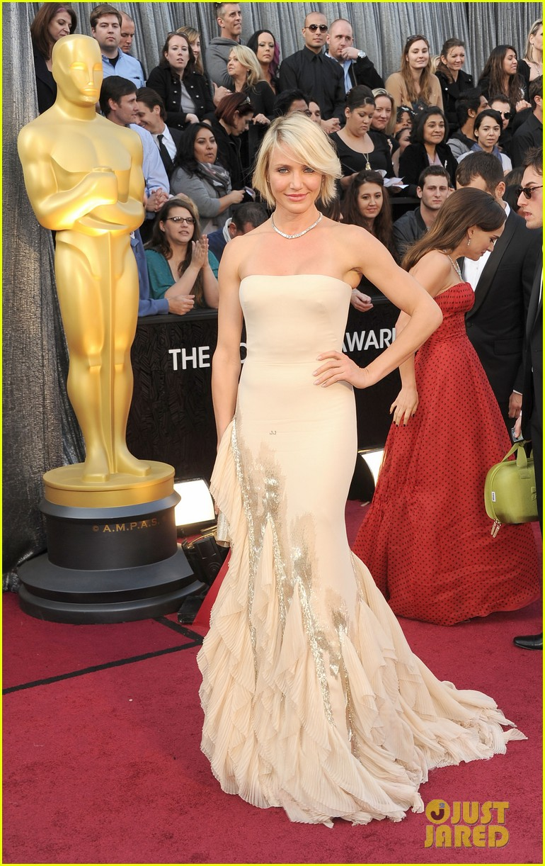 cameron diaz 2012 oscars red carpet 04