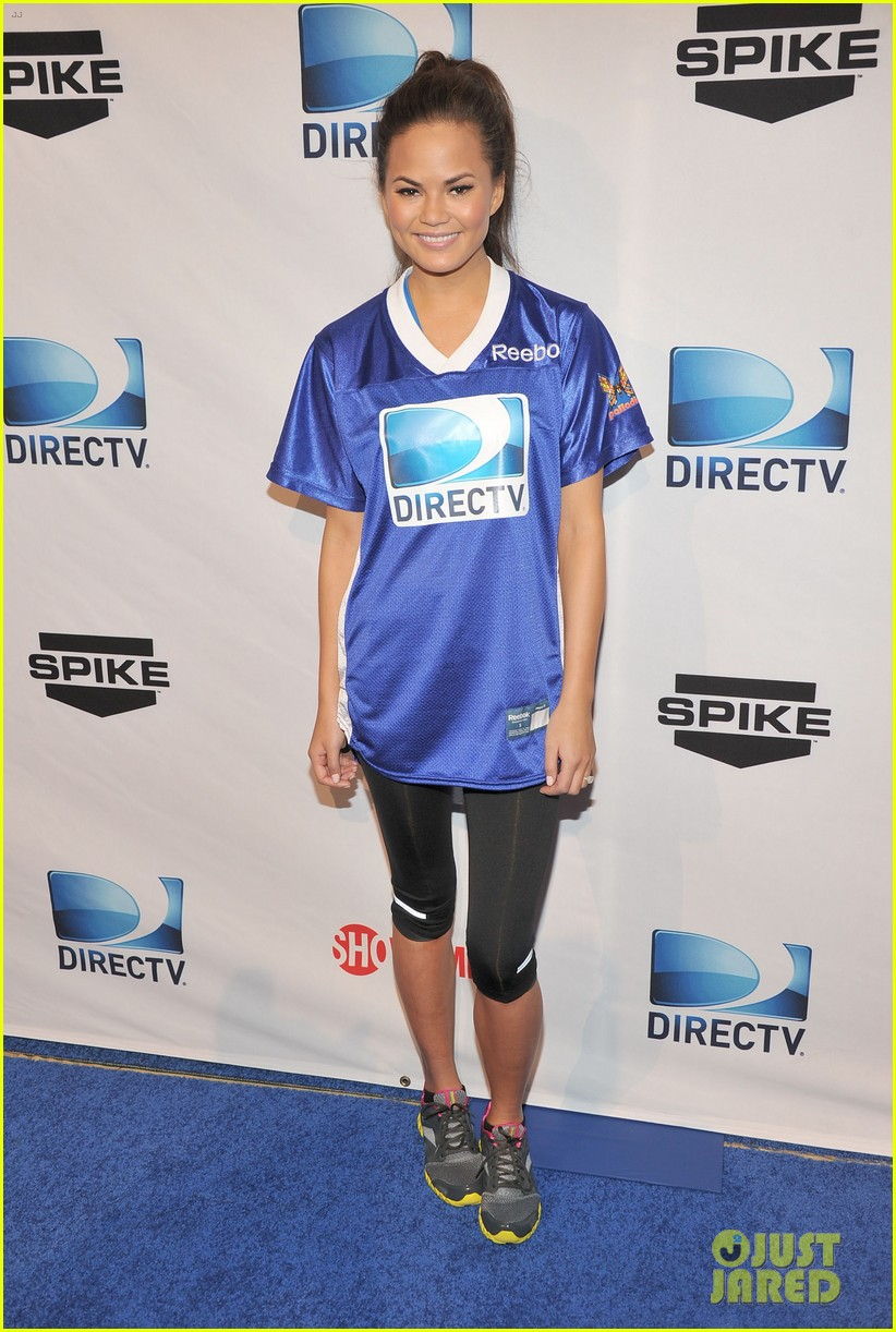 nina dobrev chace crawford celebrity beach bowl 032625341