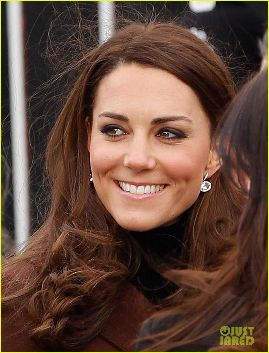 catherine duchess liverpool visit 032628846