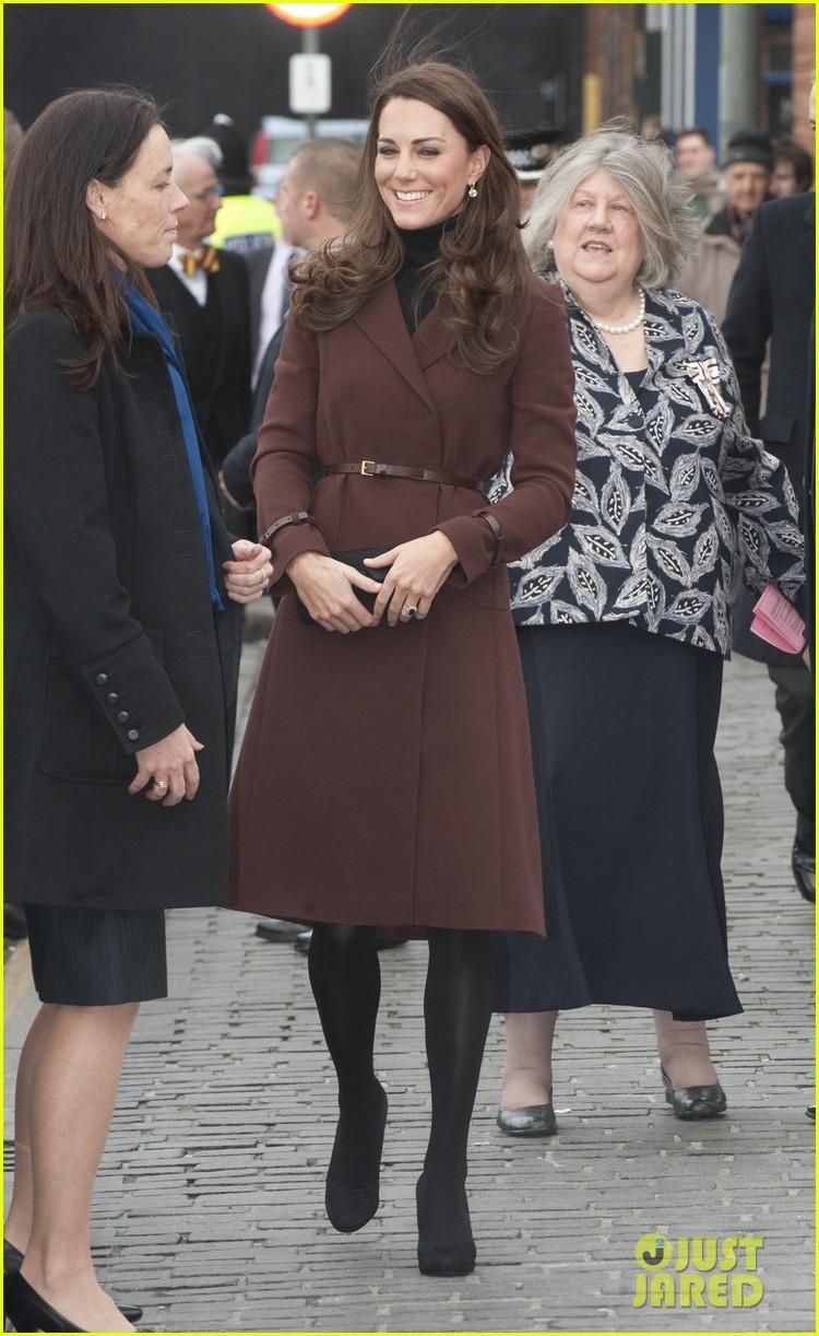 catherine duchess liverpool visit 042628847