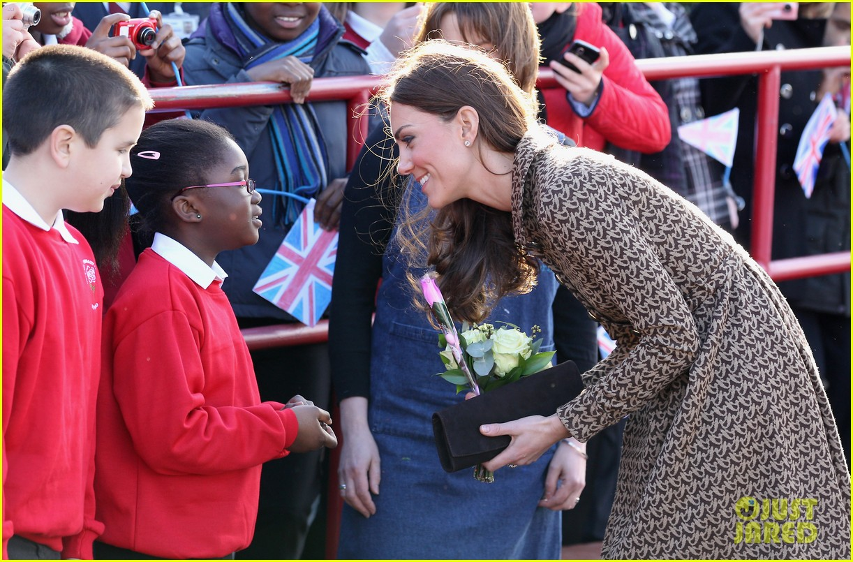 duchess kate rose hill primary school 01
