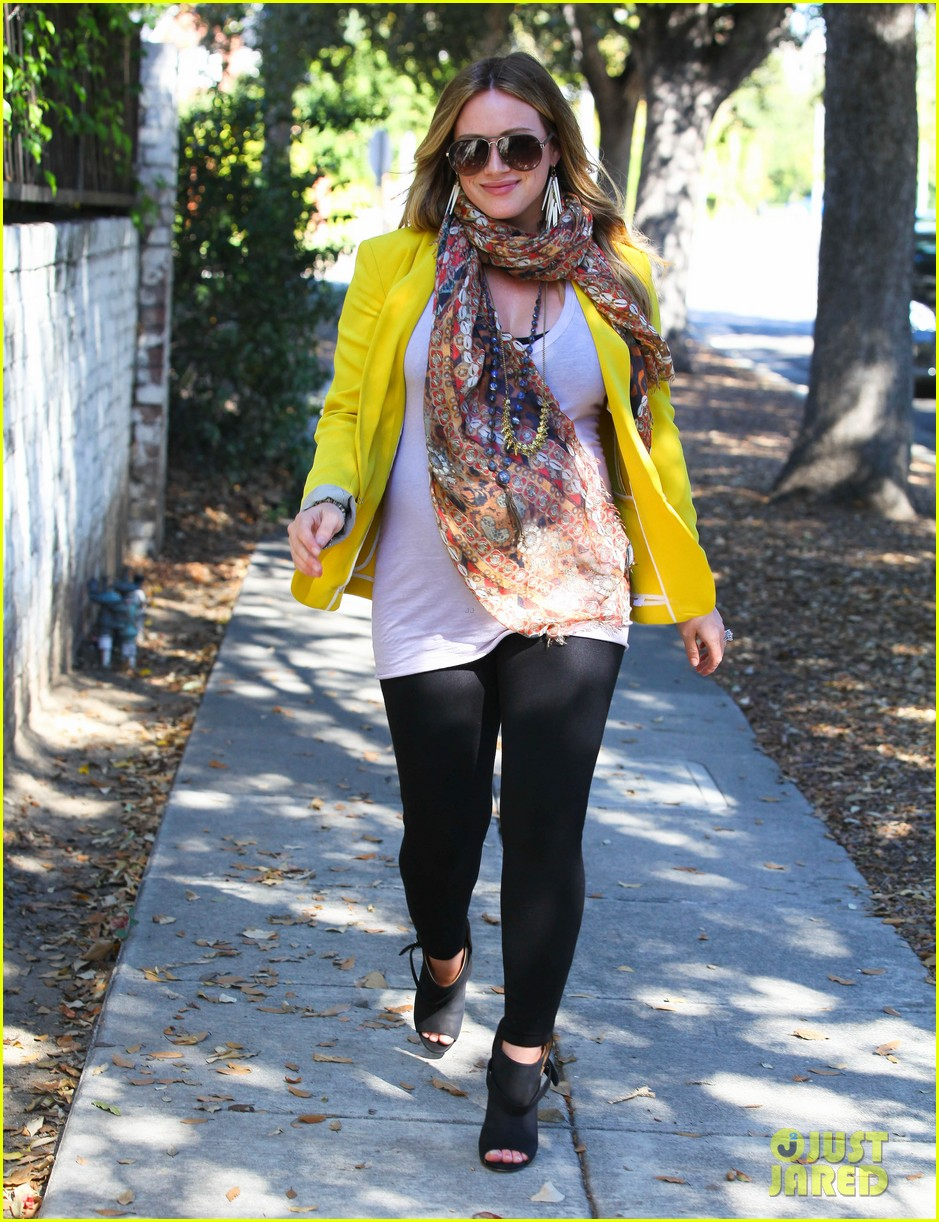 hilary duff pregnant yellow blazer 15