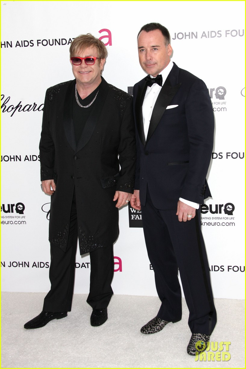 elton john zachary david furnish oscar party 022633816