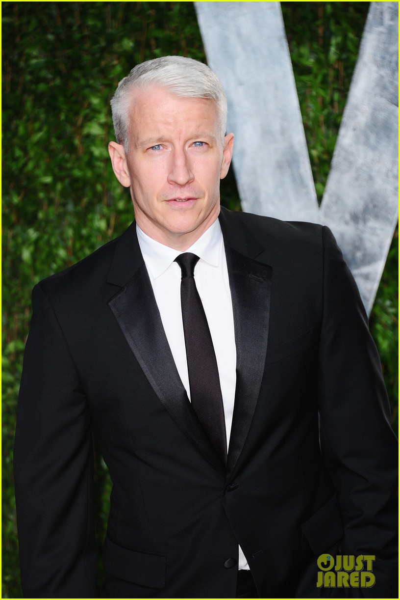 anderson cooper chad michael murray chris evans oscar party 032634144