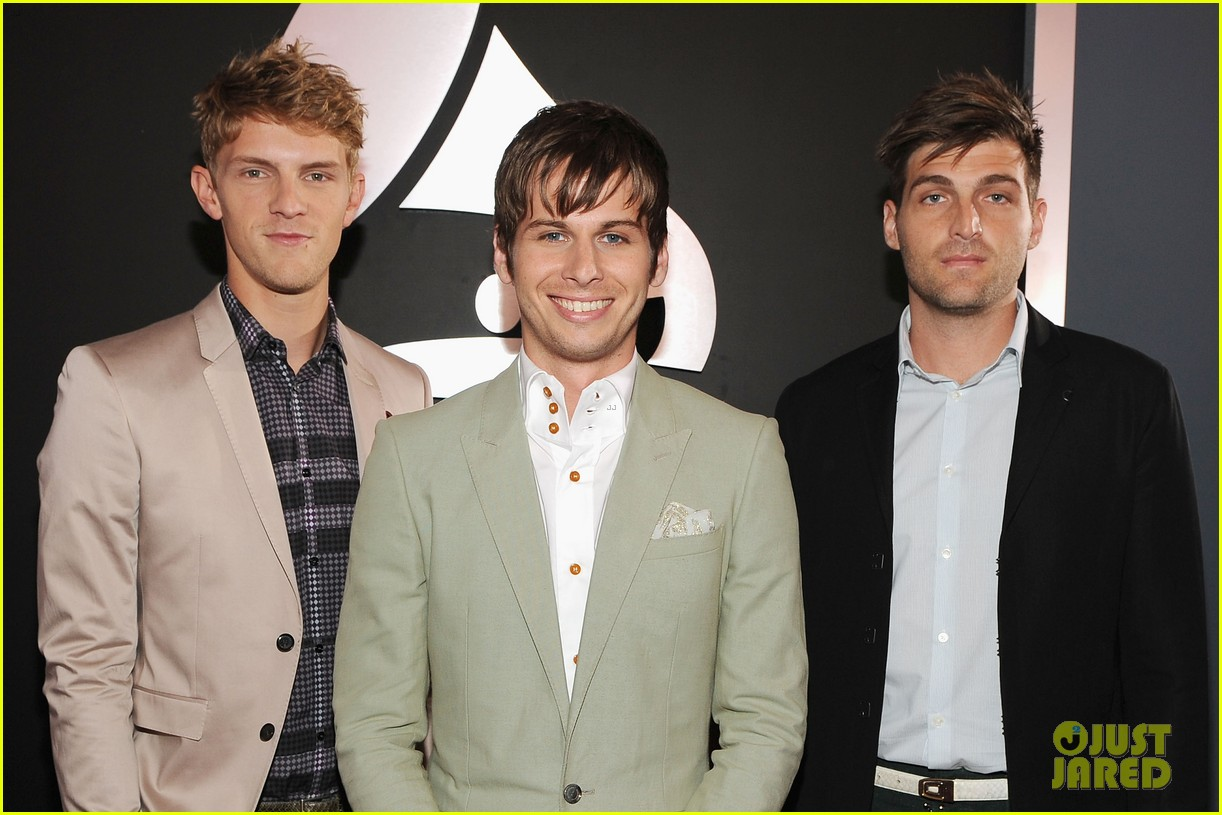 foster the people grammys 2012 red carpet 012628142