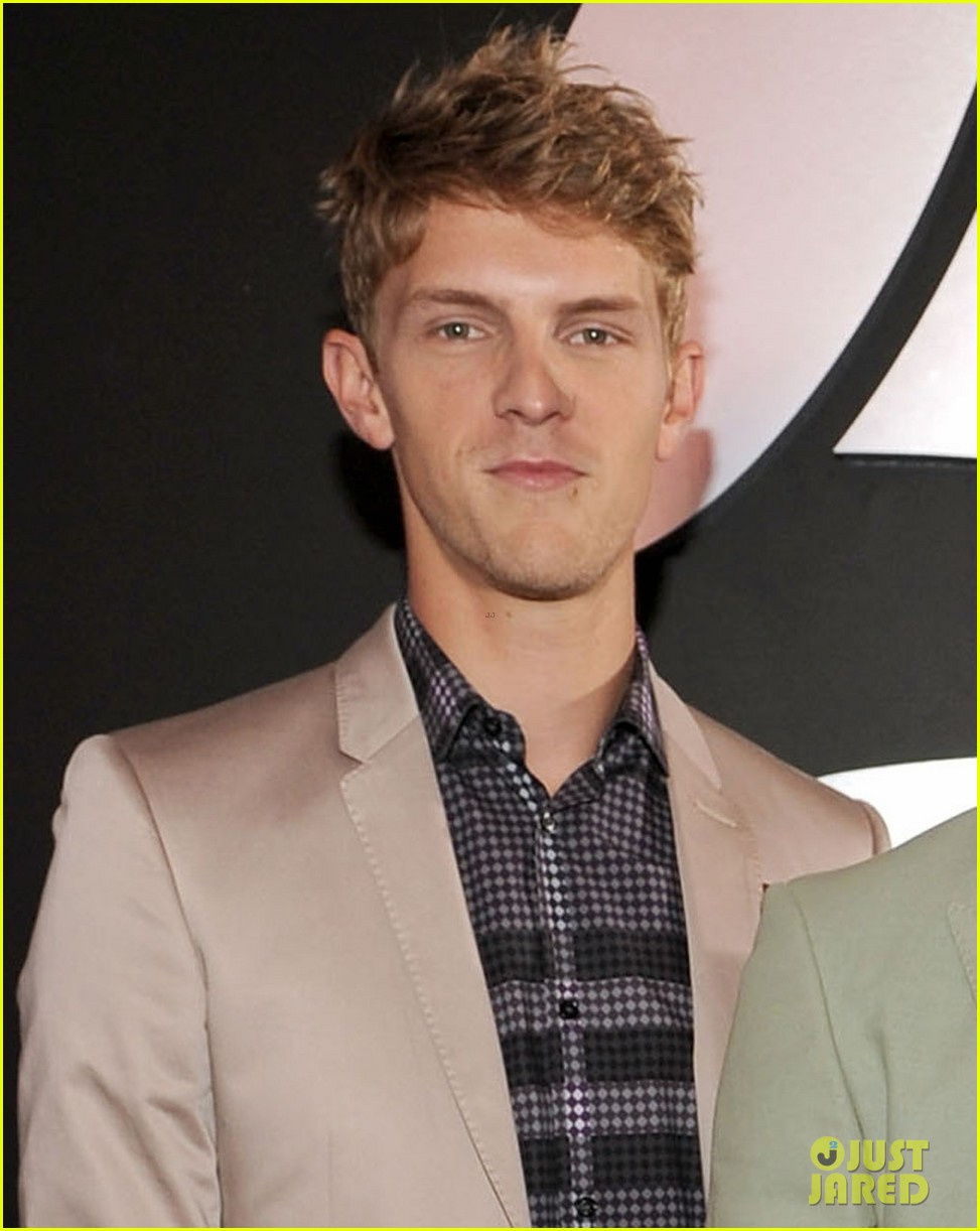 foster the people grammys 2012 red carpet 042628145