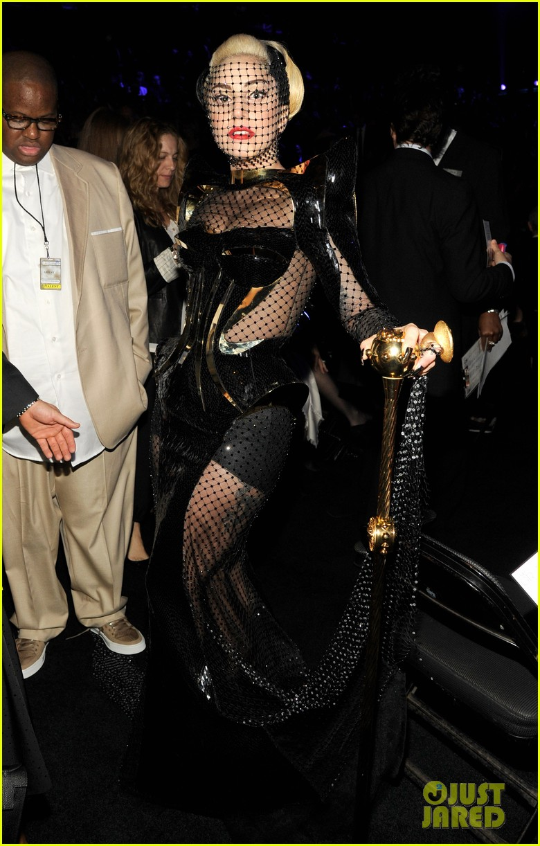 lady gaga grammy awards 2012 fisnet 042628360