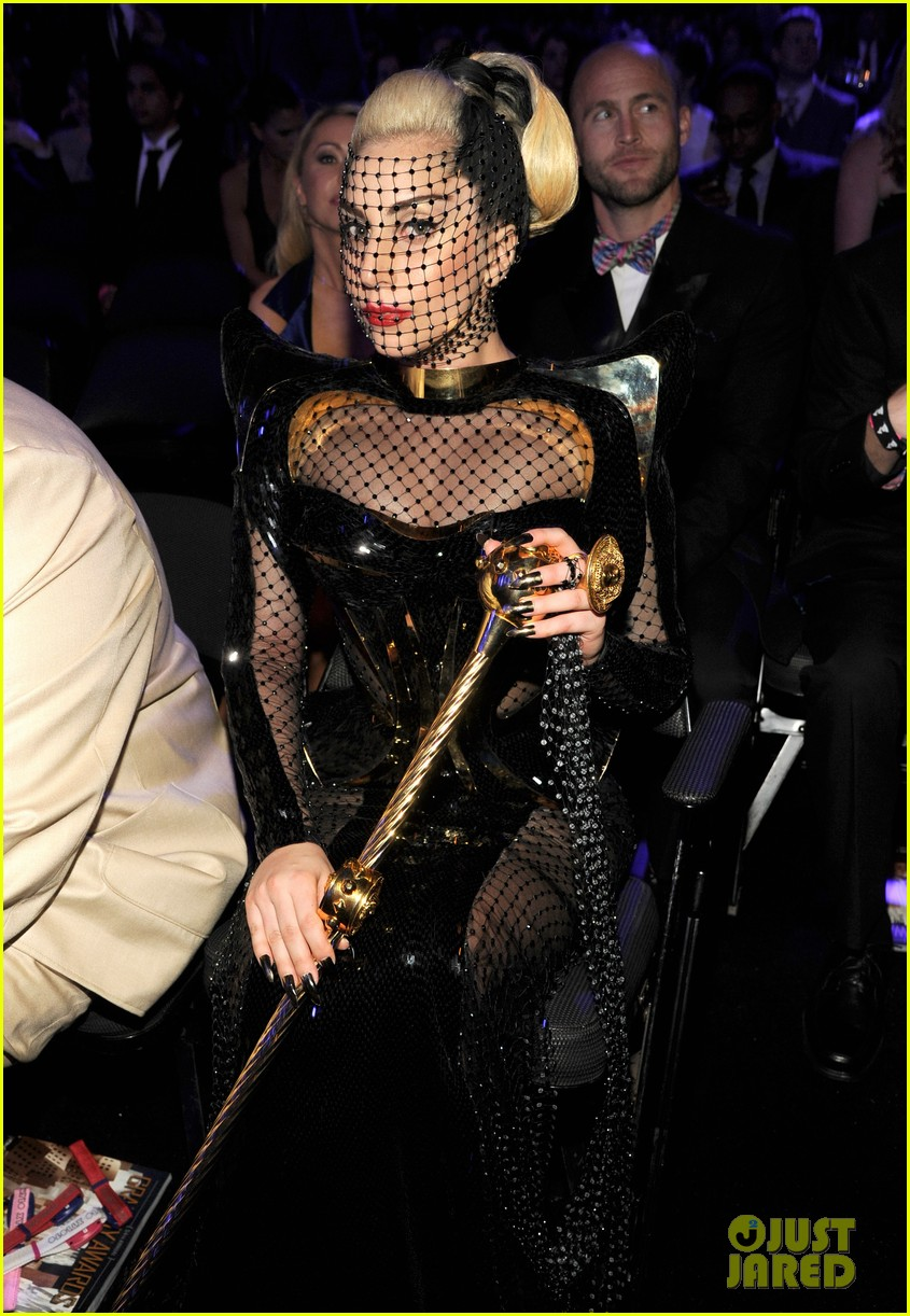 lady gaga grammy awards 2012 fisnet 052628361