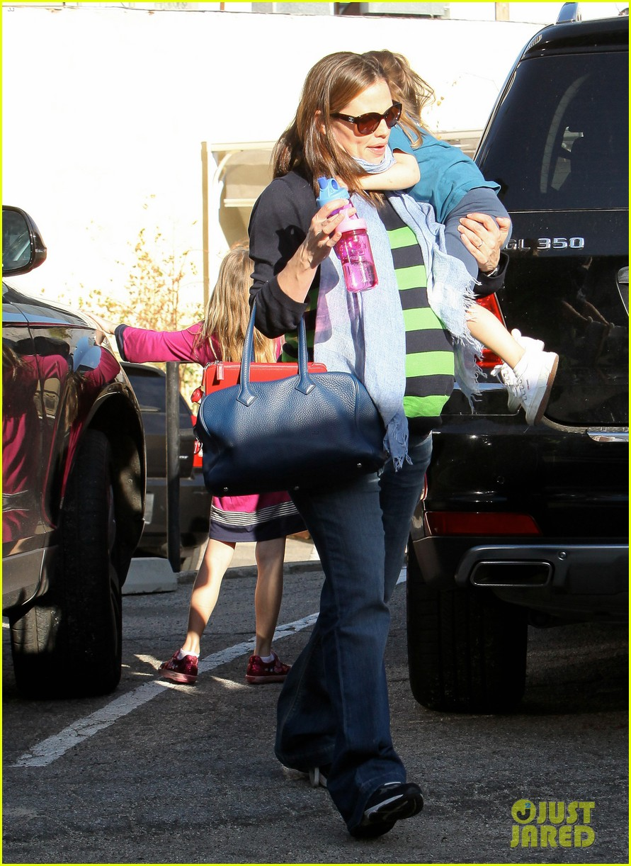 jennifer garner karate ballet with the girls 162630611