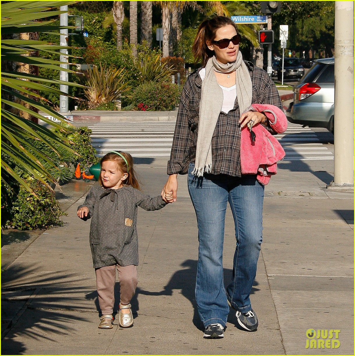 jennifer garner errands 082624535