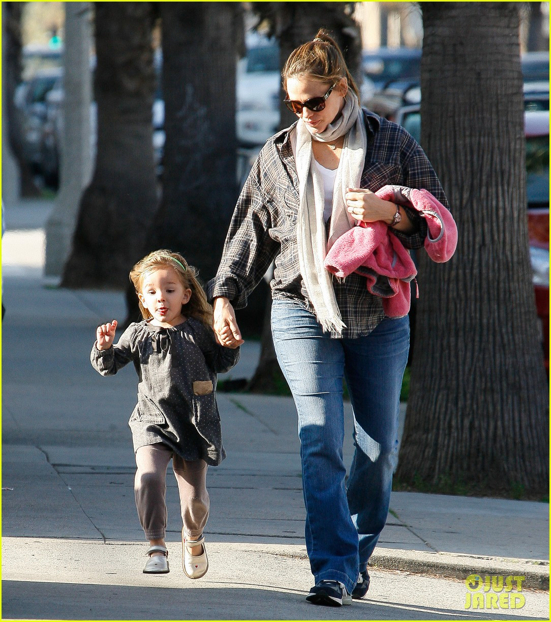 jennifer garner errands 172624544