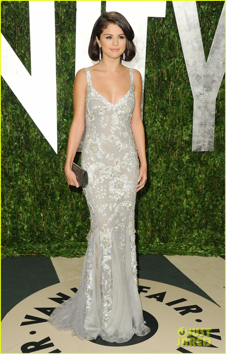 selena gomez shailene woodley vanity fair oscar party 09