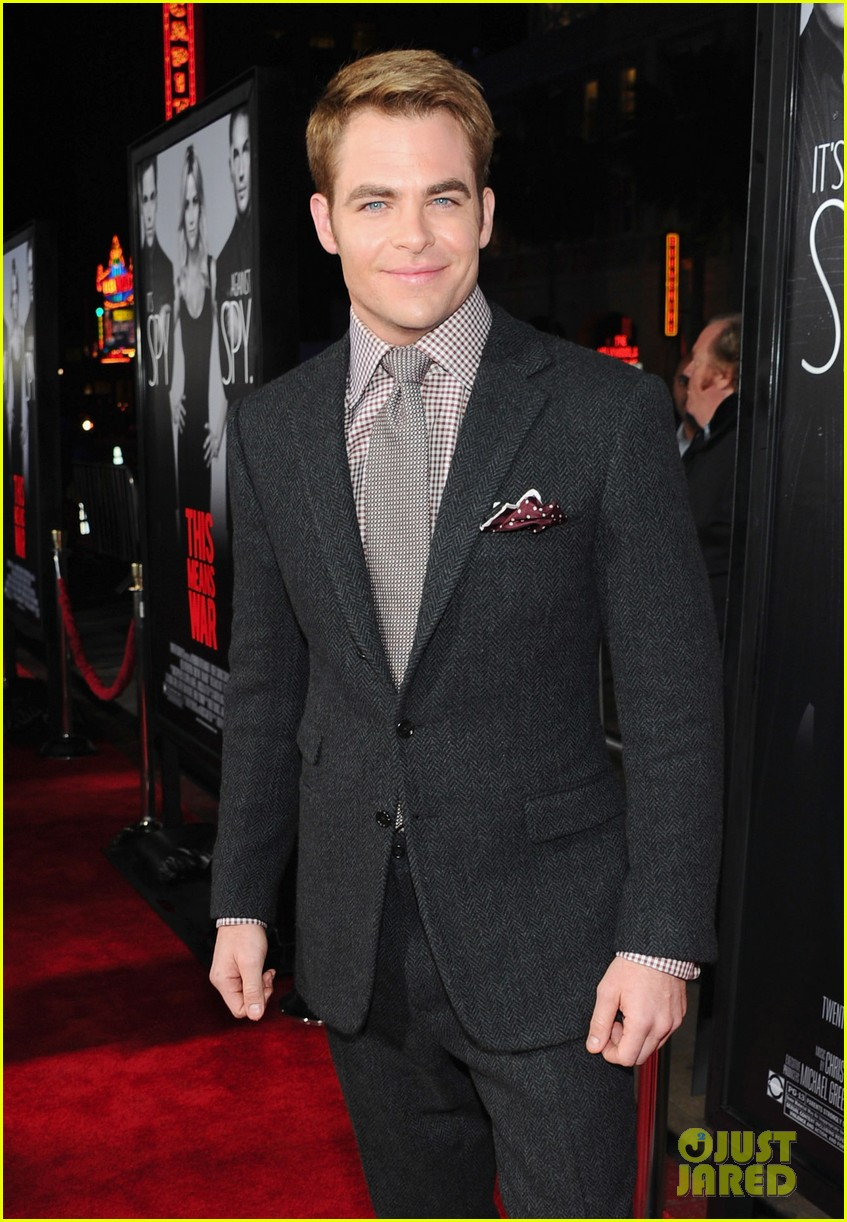 tom hardy chris pine war premiere 052626613