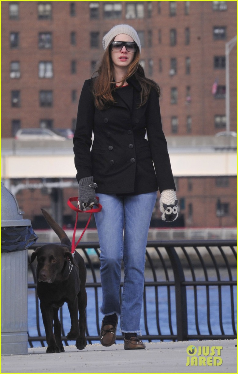 anne hathaway walks esmerelda 04
