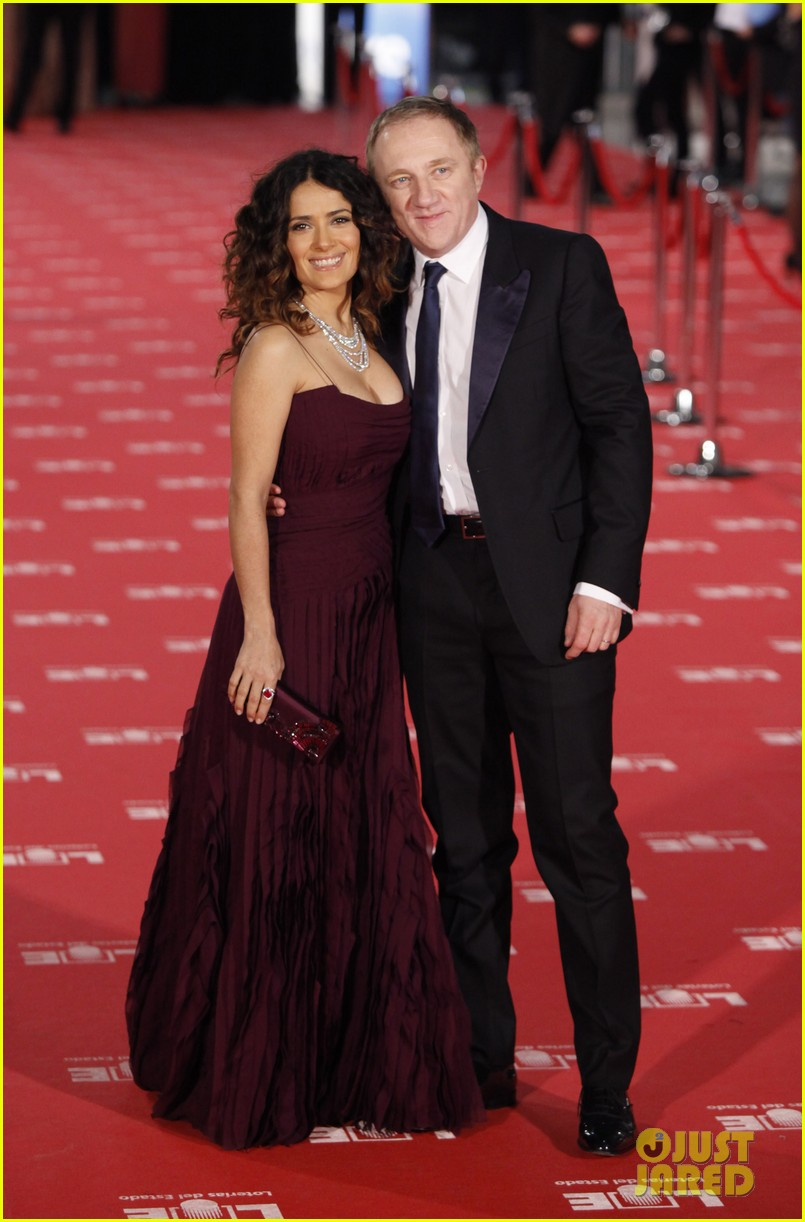 salma hayek goya awards 01