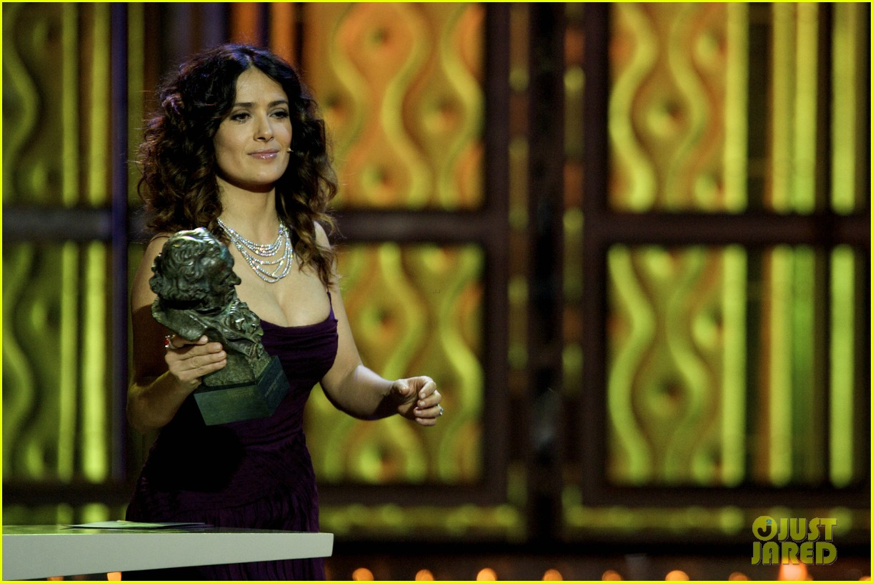 salma hayek goya awards 042630907