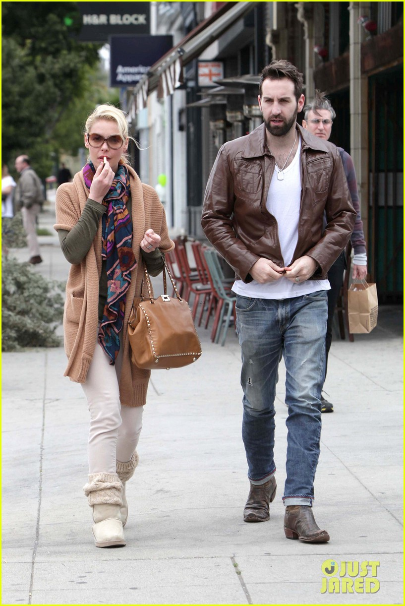 katherine heigl josh kelley umami burger lovers 01