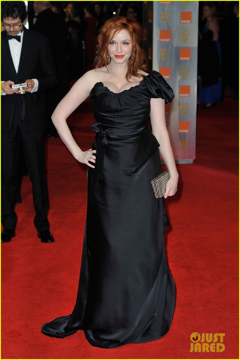 christina hendricks jon hamm 2012 baftas red carpet 02
