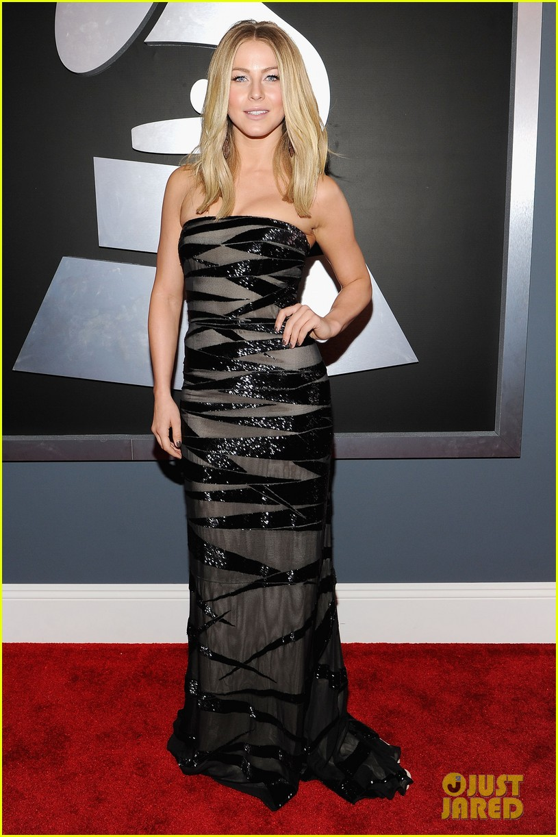 julianne hough 2012 grammy awards 01