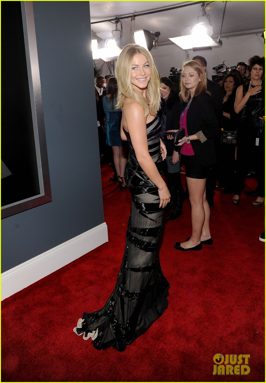 julianne hough 2012 grammy awards 03
