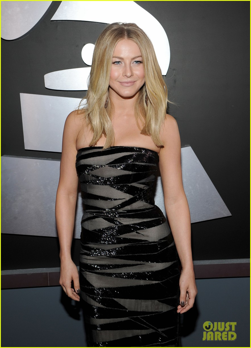 julianne hough 2012 grammy awards 042628227